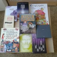 Z projektu Česká knihovna jsme dostali několik knih, které si můžete už ve středu přijít vypůjčit.