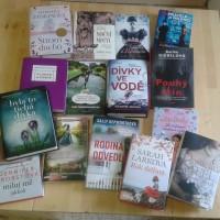 Další nově koupené knihy už jsou v kunratické knihovně. Tentokrát si vyberou hlavně ženy. Napětí, příběhy, románky, humor.....