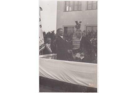 Fotografie - škola v Kunraticích