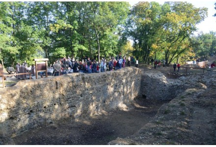 Nový hrad slavnostní otevření po sananci