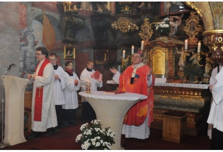 navsteva arcibiskupa198