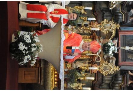 navsteva arcibiskupa241