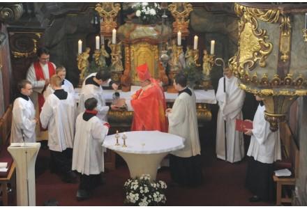 navsteva arcibiskupa275