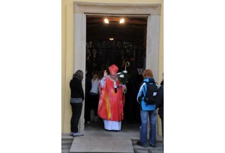 navsteva arcibiskupa292