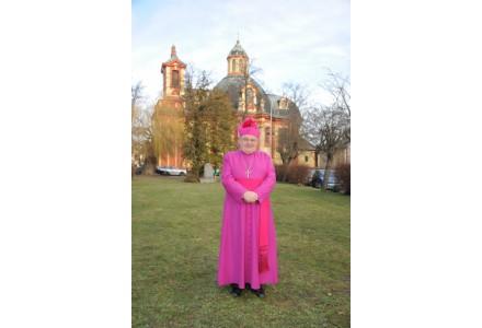 navsteva arcibiskupa306